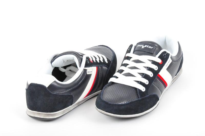 Mъжки спортни обувки в три цвята