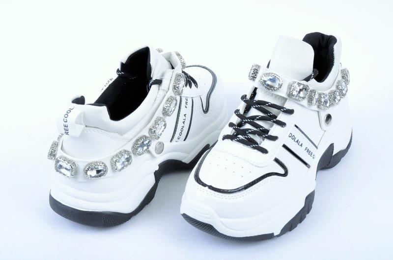 НОВО! Дамски маратонки с камъни