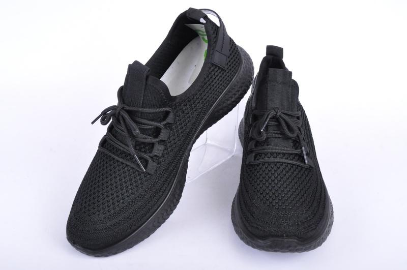 НОВО! Черни текстилни маратонки