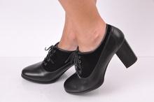 Дамски обувки с ток - кожа и велур