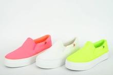 НОВО! Дамски обувки-три цвята