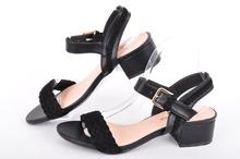 Дамски сандали с широк ток