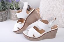 НОВО! Дамски сандали на платформа