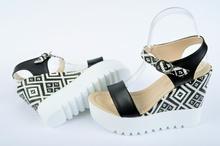 НОВО Дамски сандали на платформа