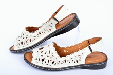 NEW! Ефектни ниски дамски сандали
