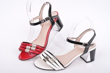 Дамски сандали широк ток