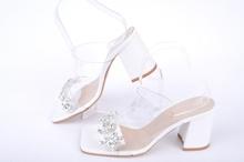 НОВО! Бели дамски чехли на ток